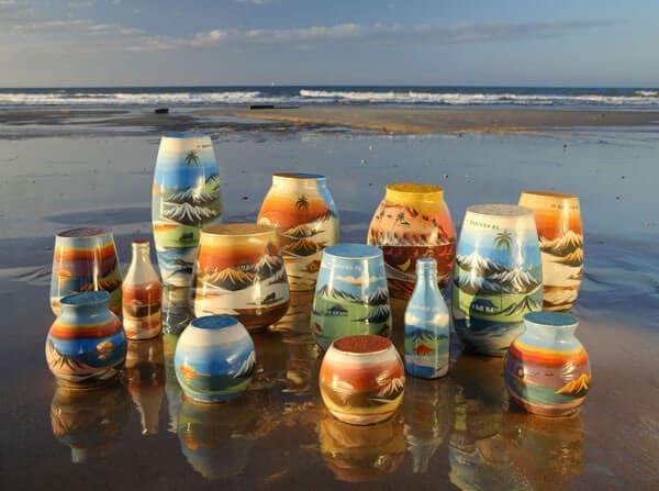 Artesanatos feitos com areias coloridas
