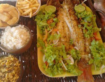 Peixe frito, baião, macaxeira e outras delícias